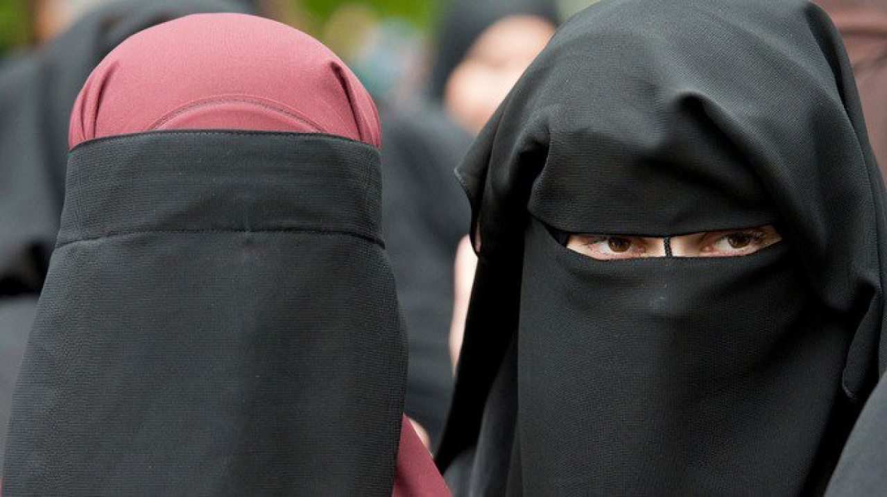Easter Sunday Terror Attack: Sri Lanka Mulls Burqa Ban After Reports That Bombers Included Burqa Clad Woman