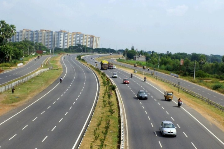 Highways Construction Touches 26 Km Per Day, Over 2,300 Km Highways Laid In First Quarter Of The Financial Year