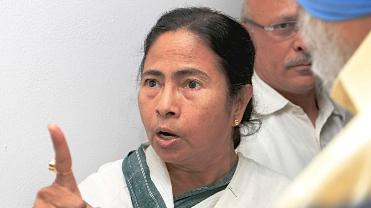 'Dismiss My Government If You Can, You Will Have To Implement CAB Over My Dead Body': Mamata Dares Centre