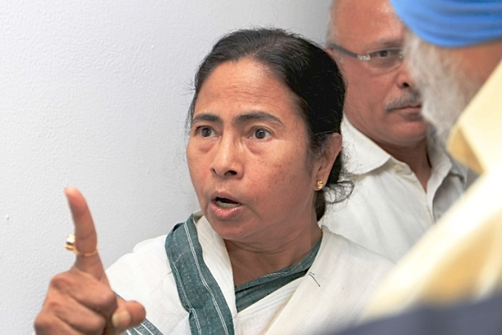 Mamata Who Came To Power Fighting Communists, Now Appeals To CPM To Join Hands With Her To Defeat BJP