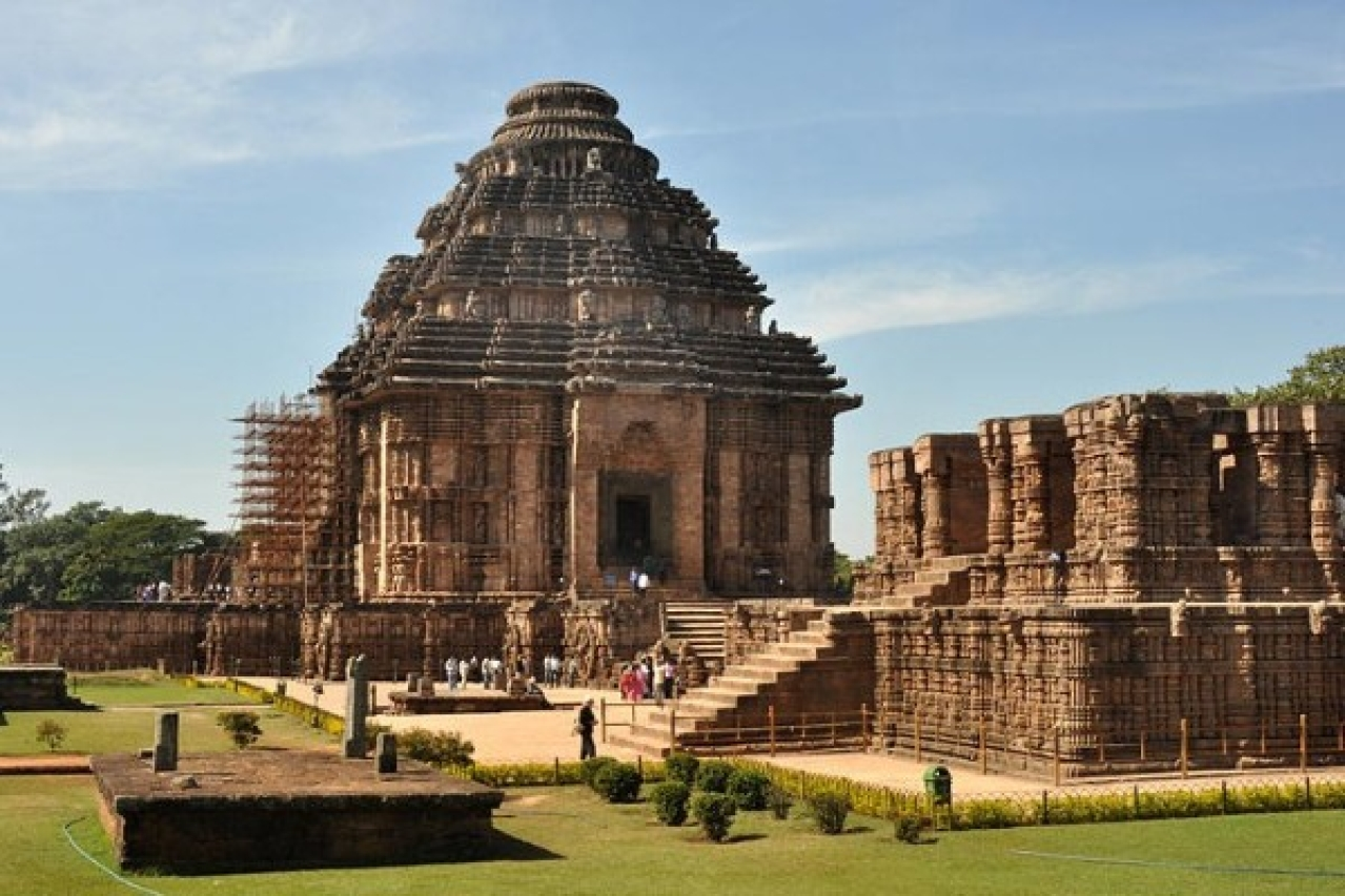 कोणार्क मंदिर, Konark Sun Temple is one of the tourist places in puri