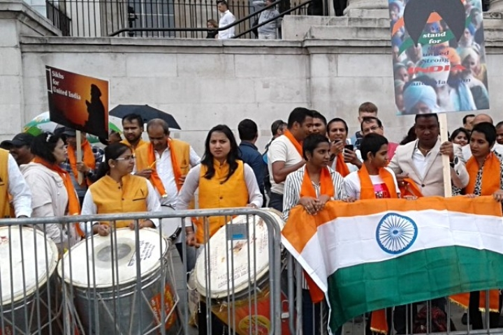 Armed With Dhols and Flags, Pro-India Group Thwarts Pakistan Sponsored Khalistan Event in UK
