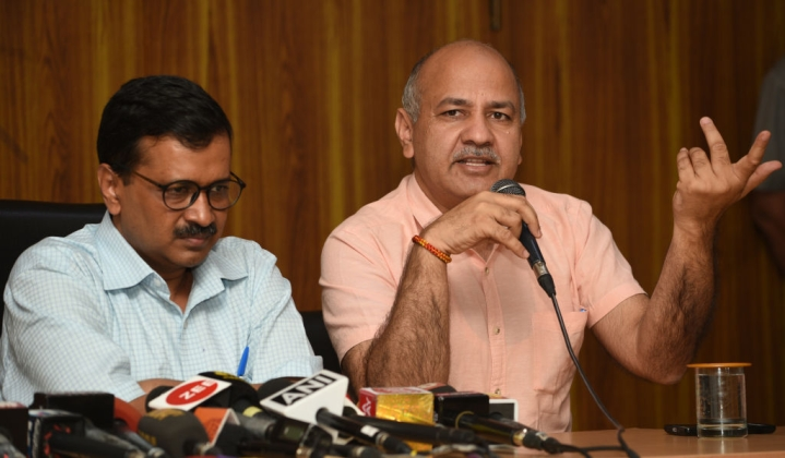 Delhi Chief Secretary Assault: Arvind Kejriwal and Manish Sisodia Among 13 AAP Leaders Named In Chargesheet