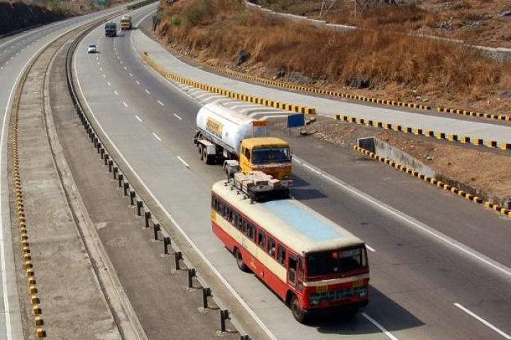Construction Of Mumbai-Delhi Expressway To Start By December, To Be Ready In Three Years