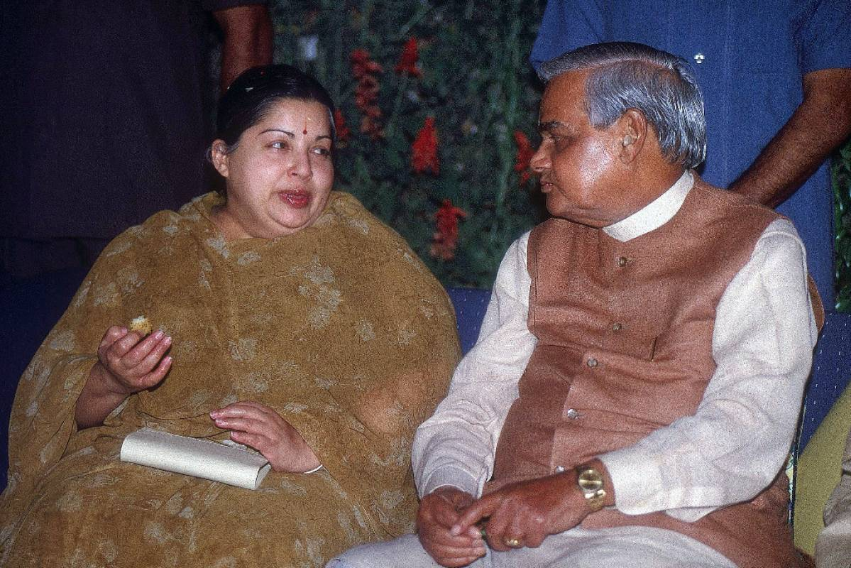 How Vajpayee Government Was Defeated By A Single Vote In 1999