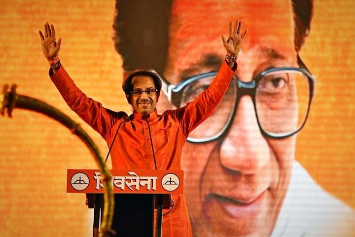 'Amit Bhai Does What He Says': Shiv Sena Chief Hails HM Amit Shah For Axing Article 370, Demands Uniform Civil Code