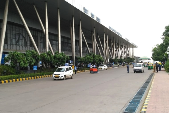 Government Refuses To Buckle Under AAI Pressure, To Privatise Six Airports Including Lucknow, Ahmedabad