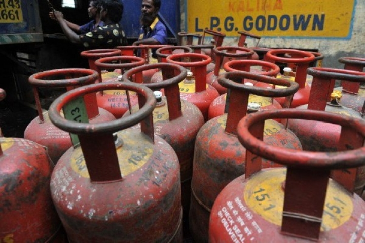 Soaring Crude Prices Hit Subsidy Estimates; LPG And Kerosene Payouts Set For A 66 Per Cent Rise