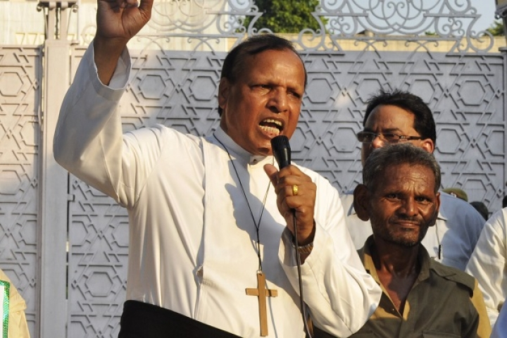 Christian Pastor Barges Into Coimbatore Court, Chants 'Jesus Will Punish Those Who Decriminalised Homosexuality'