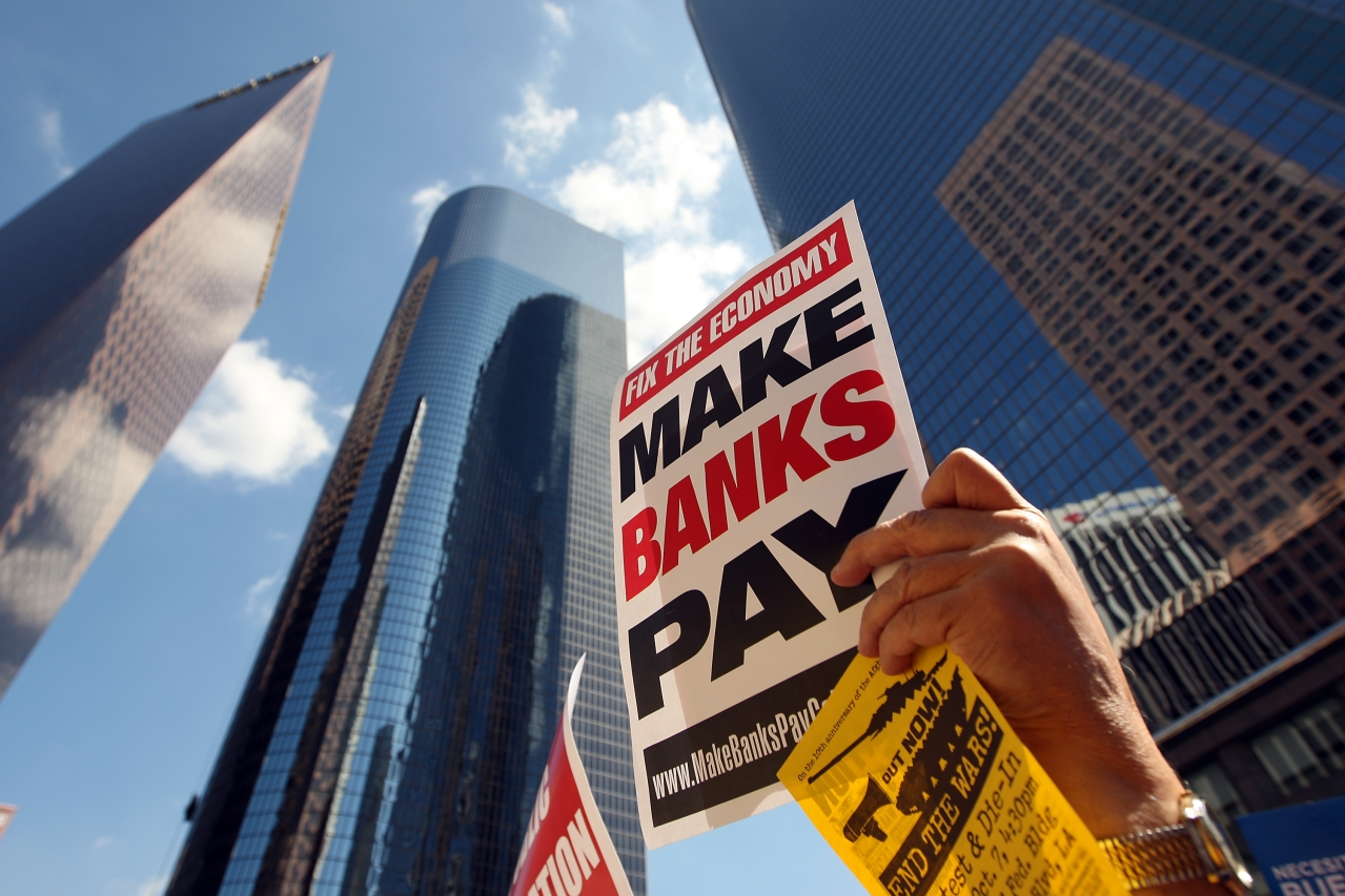 Protesters rally against bank bailout following the financial crisis in Los Angeles. (David McNew/GettyImages)