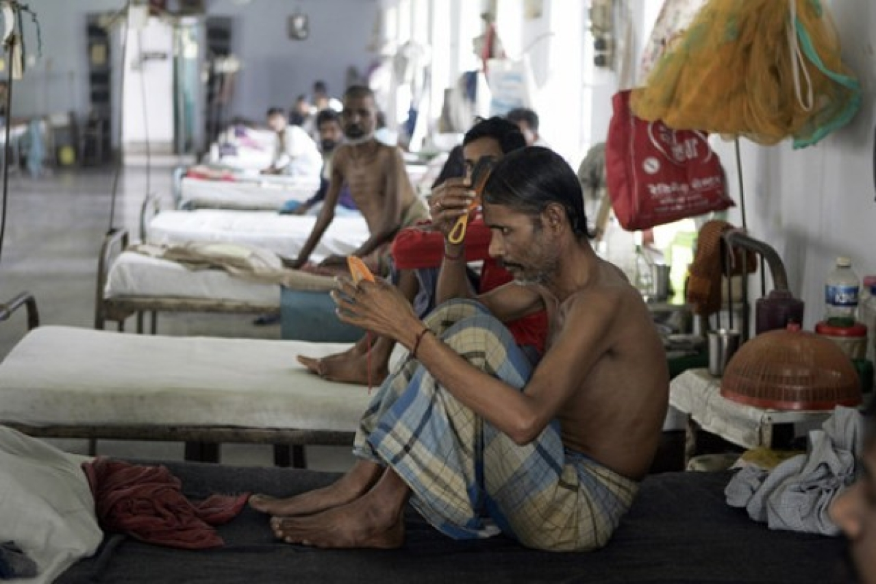 Patients at a government hospital (Representative image) (Deshakalyan Chowdhury/AFP via Getty Images)