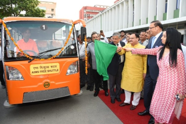 Free Battery Operated Bus Service Launched At AIIMS, To Benefit 5000 Patients And Support Staff Per Day