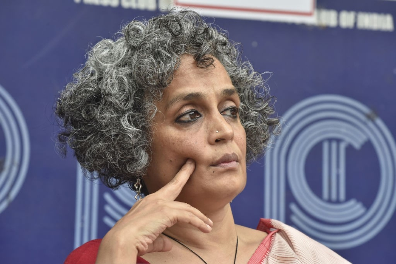 Arundhati Roy during a press conference in New Delhi.  (Sonu Mehta/Hindustan Times via Getty Images)