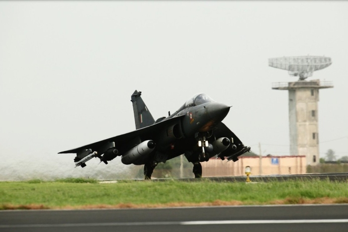 Indian Air Force Soon To Sign Deal With HAL For 83 Tejas LCA; Price Negotiations In Final Stage