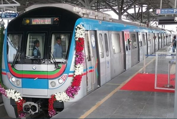 Hyderabad: Newly Inaugurated Ameerpet-LB Nagar Metro Line  A Hit, Attracts 19,000 Passengers On First Day