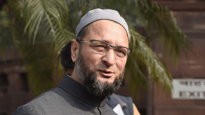 Owaisi Continues Attack Against Former President Pranab Mukherjee, Says Attending RSS Event Was 'Stupid and Immature'