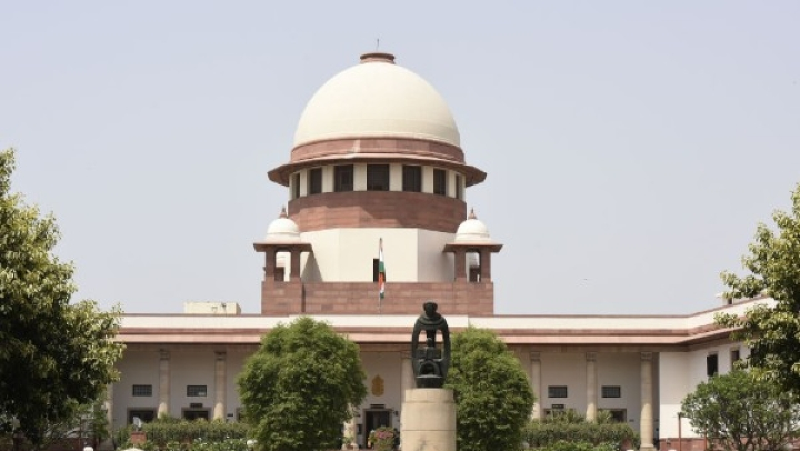 SC Constitution Bench To Review Scrapping Of Article 370 In October; Apex Court Sends Notice To Centre