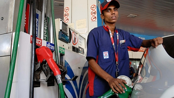 No More Discounts On Digital Payments At Petrol Pumps, Oil Companies To Discontinue Benefits Due To Financial Strain