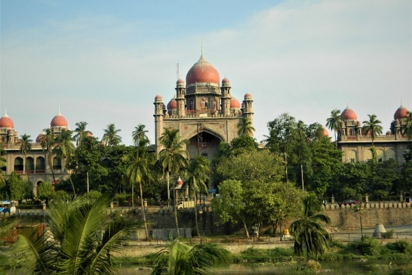 Hyderabad HC Slams Andhra Government For Scrapping Temple Board For SEZ Land Allocation, Terms It 'White Collar Crime'