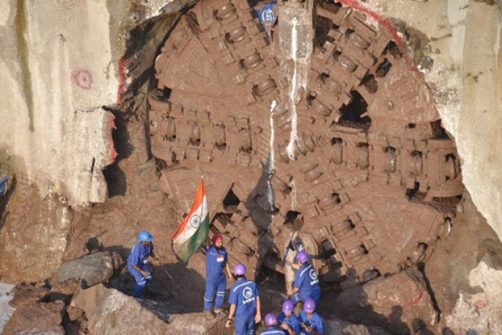 Watch: Mumbai's First Underground Metro Project Achieves Successful Tunnel Breakthrough