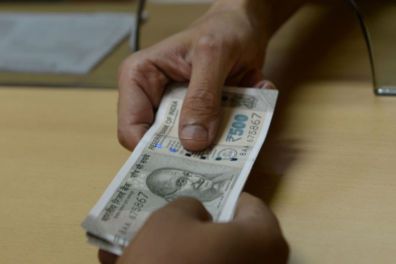Falling Rupee's Zero Sum Game: Loss For One Is Gain For Another