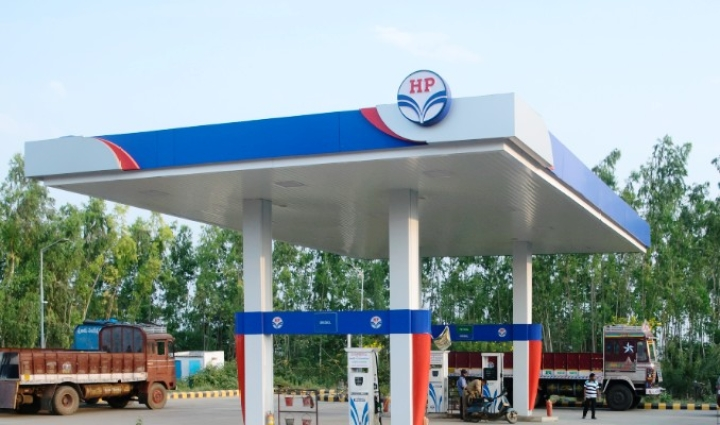 Hindustan Petroleum Signs MoU To Provide Electric Vehicle Charging Stations At All Its Petrol Pumps In India