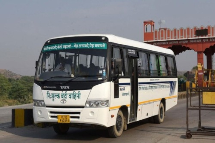 Real Stree-Dhan: To Motivate Girls To Attend College, Retired Jaipur Couple Buys Rs 19-Lakh Bus With PF Money