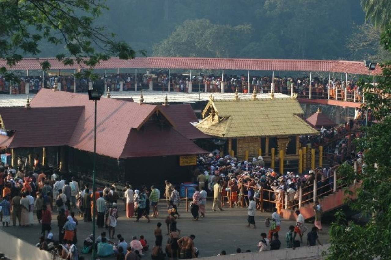 Devotees at the Lord Ayyappa temple at Sabarimala.  (Shankar/The India Today Group/GettyImages)