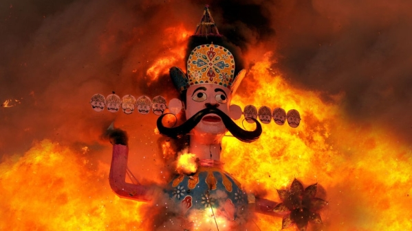 'Patni Pidit Purush Sanghatana' Members Claim To Be Harassed By Wives, Burn Surpanakha's Effigy In Protest