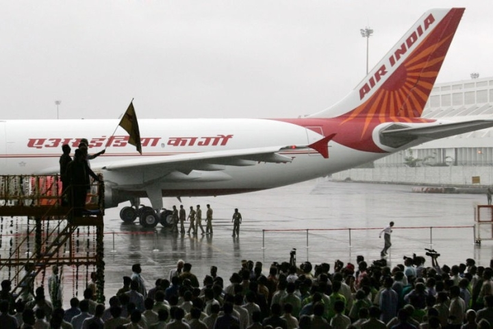 Amit Shah To Head Reconstituted Ministerial Panel On Air India Disinvestment; Resolution Likely Be Year-End