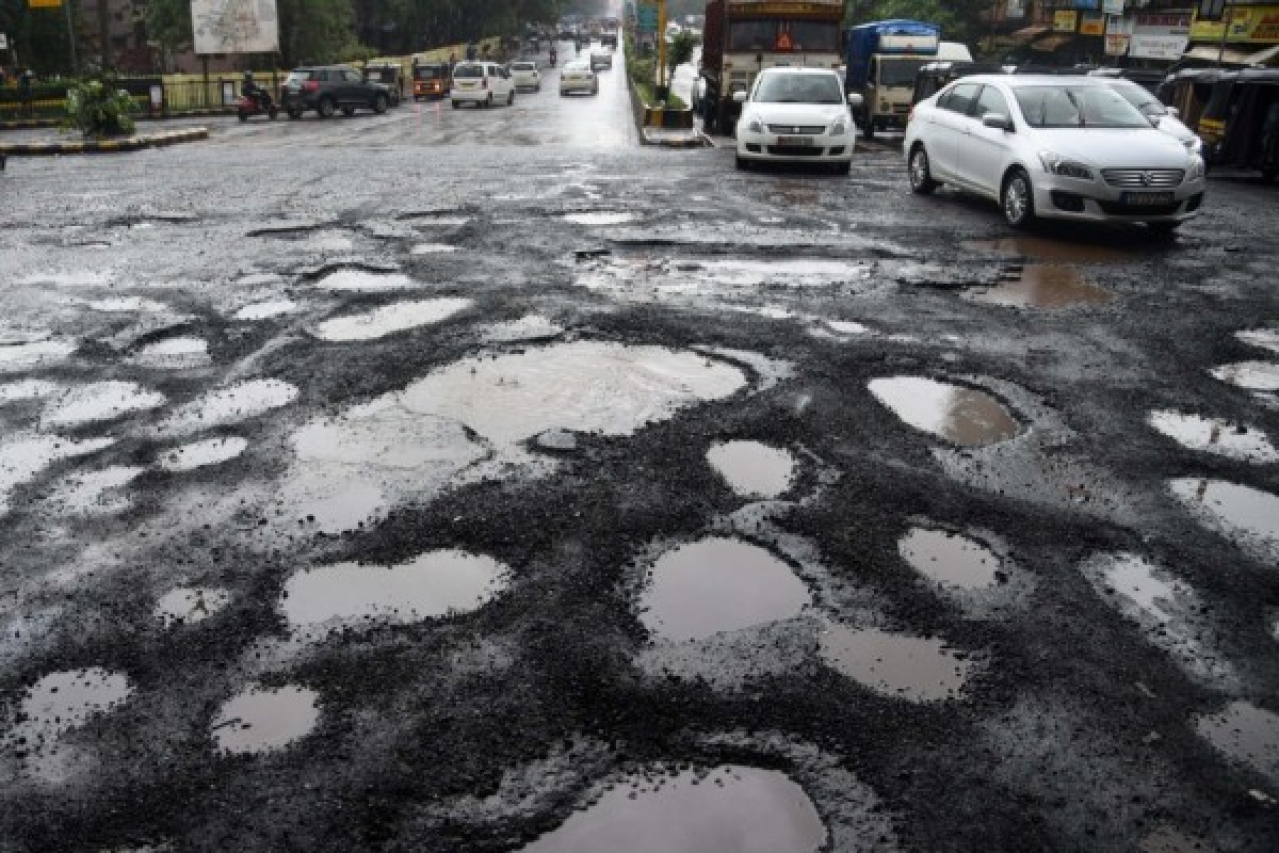 Contempt For Court? BBMP Misses HC Deadline To Fill Potholes; Gives Excuses Again