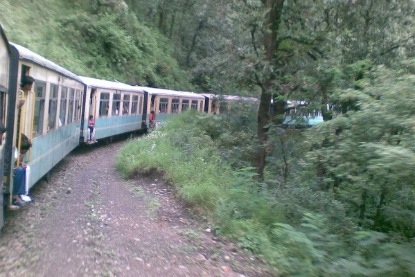 "Himachal: Tourists Can Now ""Hop-On, Hop-Off"" The Train Anywhere Anytime On Kalka-Shimla Section"