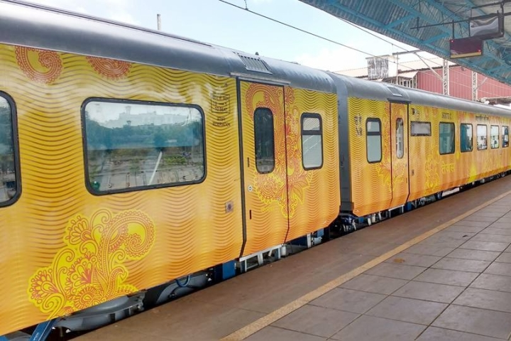 Uttar Pradesh CM Yogi Adityanath Flags Off India's First Private Semi-High Speed Lucknow-Delhi Tejas Express Train