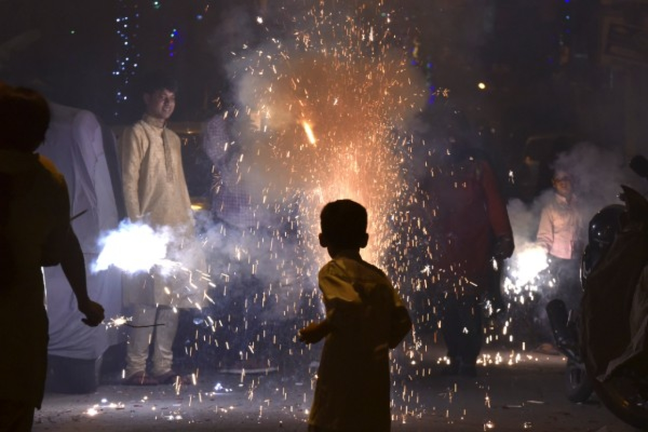 Delhi Police Cracks The Whip: Nearly 500 Arrested, Over 10,000 Kg Of Fireworks Seized By Diwali Night