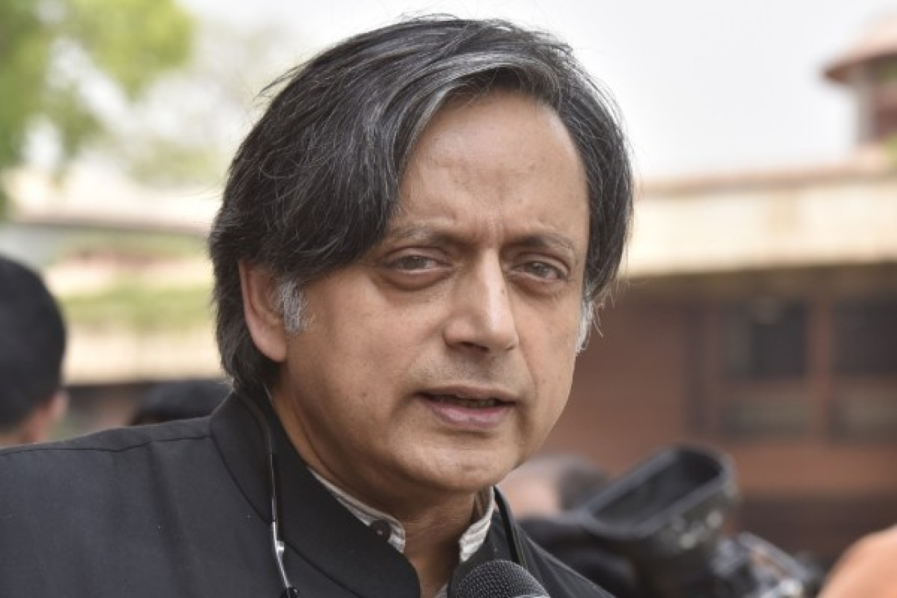 Shashi Tharoor Trails Against BJP's K Rajasekharan in Thiruvananthapuram As Per Initial Trends
