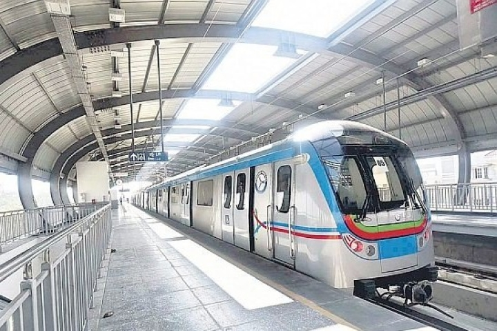 Hyderabad Metro: Free Shuttle Bus Services Launched For Commuters From Durgam Cheruvu To Increase  Metro Ridership