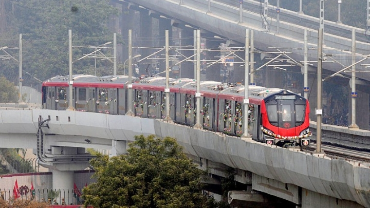 Lucknow Metro A Hit: Total Ridership Crosses 1 Crore As Over 60,000 Commuters Use It Daily