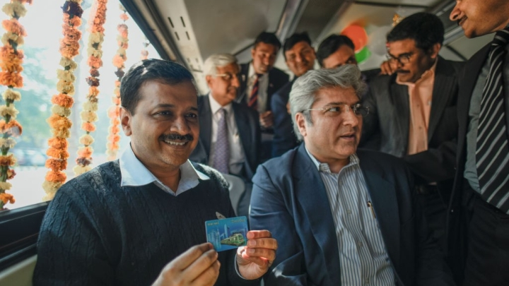 Save Money And The World: To Combat Pollution, Delhi Offers 10 Per Cent Discounts On Using Metro Cards In DTC Buses
