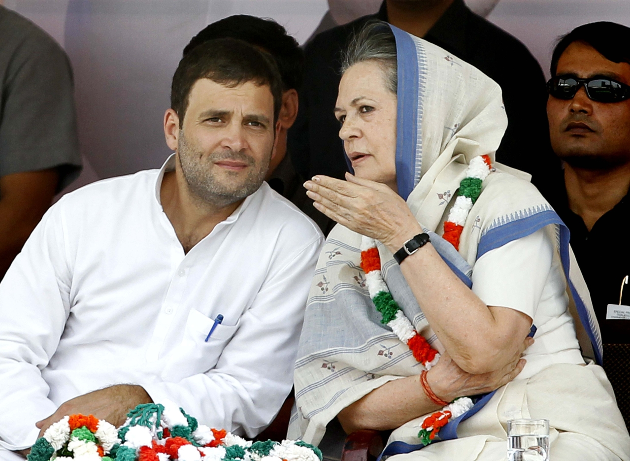 Sonia Gandhi and Rahul Gandhi during the farmers rally (Kisan-Khet Mazdoor Rally) on 19 April 2015 in New Delhi. (Ajay Aggarwal/Hindustan Times via Getty Images)