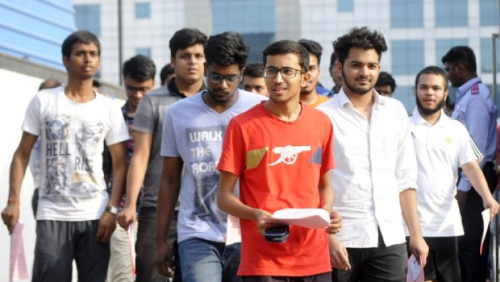 IIT-JEE Mains From Today Till 20 January; CAT 2018 Results Declared