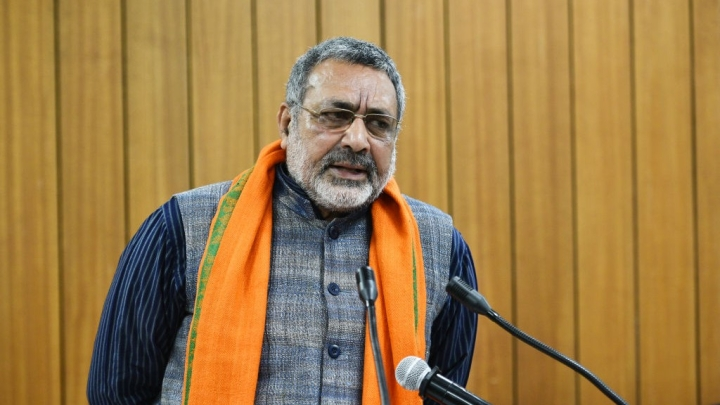 Elections 2019: BJP Leader Giriraj Singh Leads CPI Candidate Kanhiaya Kumar By 50,000 Votes In Begusarai