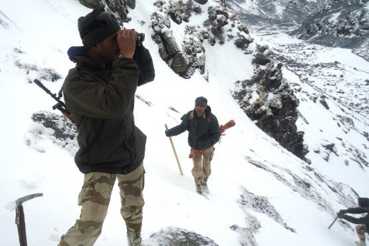 With Water Frozen In Pipes, Jawans Turn To Snow For Drinking Supply As Unprecedented Cold Engulfs Uttarakhand
