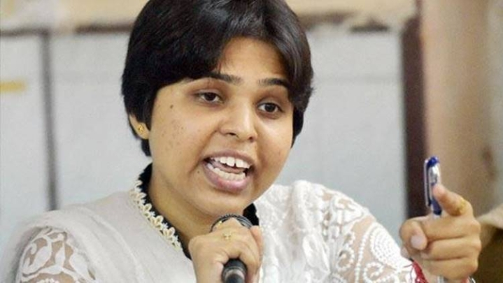 Activist Trupti Desai Reaches Kerala To Pray At Sabarimala Temple; Minister Calls It Conspiracy To Disturb Peace