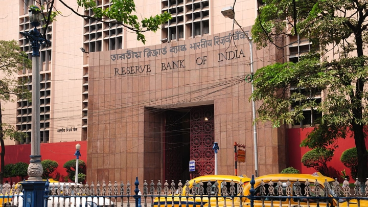 RBI On A Trimming Spree: Registration Of 1,490 NBFCs Cancelled In Last Two Years, Kolkata Takes The Lead