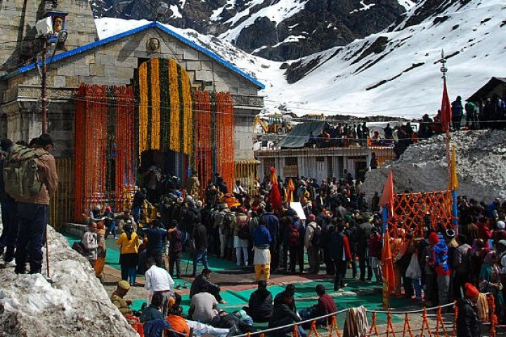 Watch: Nature's Beauty At Its Best; Kedarnath Temple Wrapped In A Blanket Of Snow
