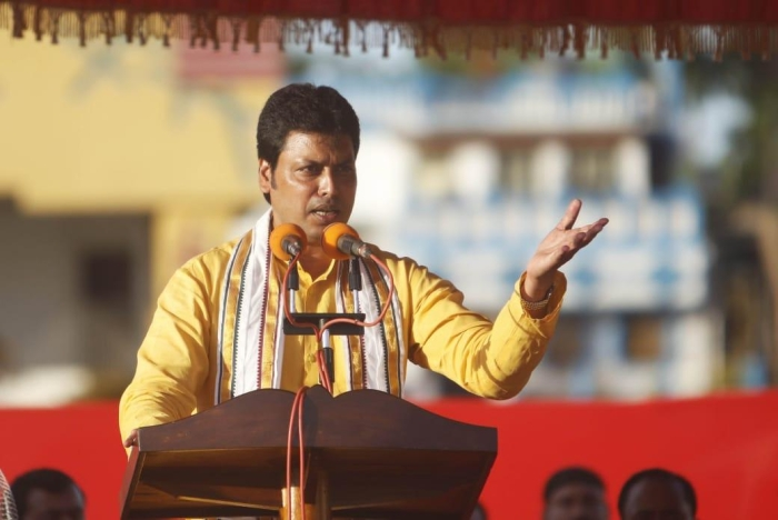 Tripura: Biplab Deb Govt Distributes 10,000 Ducklings To Farmers Near Rudrasagar Lake As Part Of Tourism Initiative
