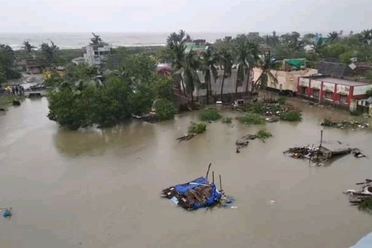 A village flooded by Cyclone Gaja downpour in Nagapattinam district.