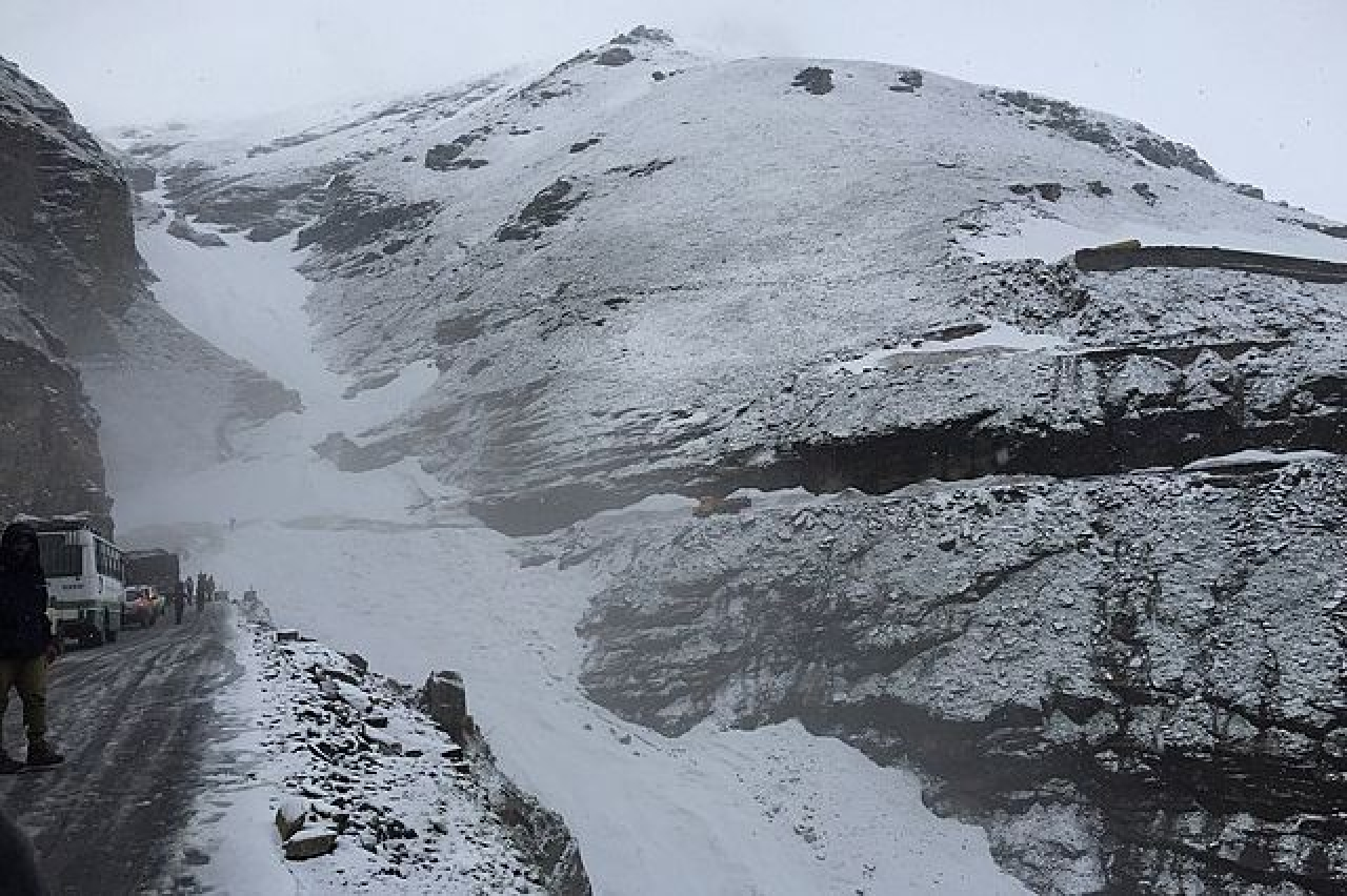 Himachal: Rohtang Impasse Ends, BRO To Open Snow Covered Pass To Facilitate Residents Of Lahaul-Spiti