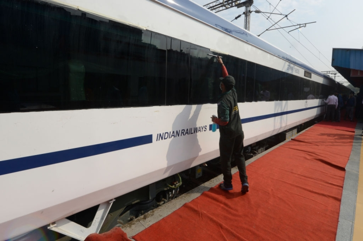 ICF Chennai Flags Off 60,000th Coach; All Set To Launch Much Touted Train-19 This Year To Replace Rajdhani