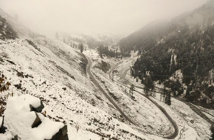 Jammu-Srinagar All-Weather National Highway Opens For One-Way Traffic